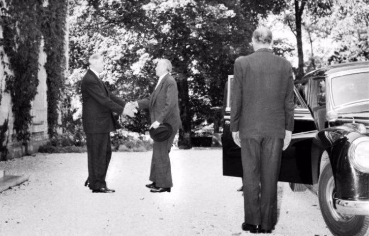 Ontmoeting van De Gaulle en Adenauer in Colombey (50elysee.com)