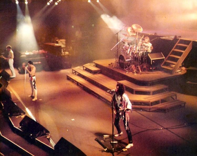 Queen tijdens een optreden in Frankfurt - cc