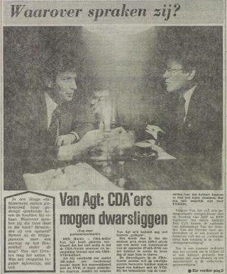 Van Agt en Wiegel in Le Bistroquet - Het Vrije Volk, 17 november 1977 (Delpher)
