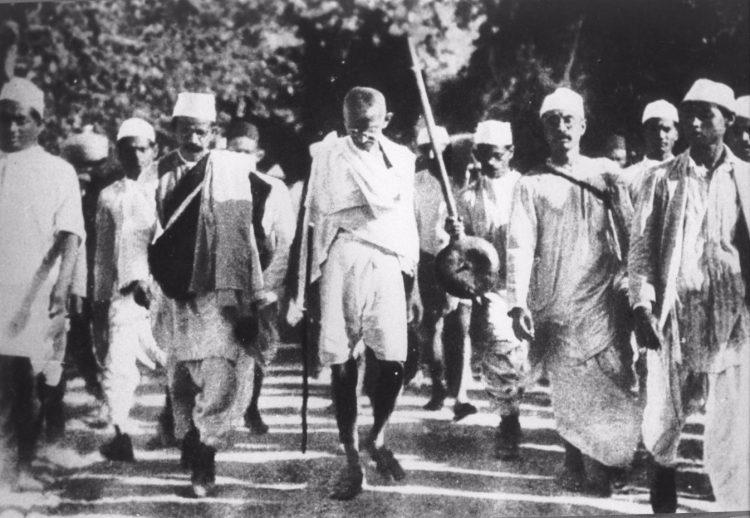 Gandhi tijdens de zoutmars