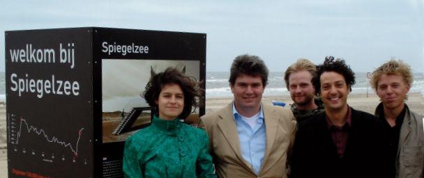 Het Spiegelzeeteam, v.l.n.r. Wieske Paulissen, Bob Hoogendoorn, Adriaan Janszen, Joep Storms, Guido Rutten.