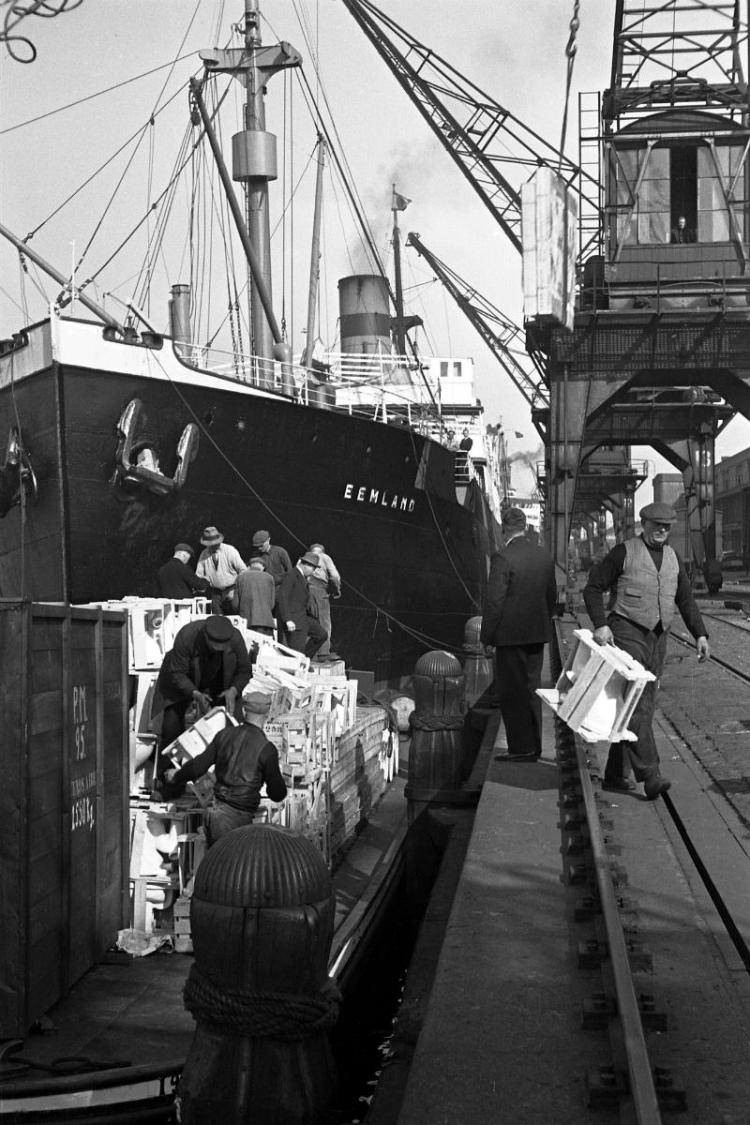 De haven van Amsterdam, jaren dertig - Foto Annemie of Helmuth Wolff © Monica Kaltenschnee