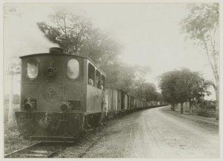 Trein op Oost-Java, circa 1900  (KITLV)