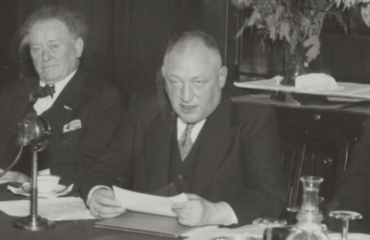 Hendrik Jan Woudenberg (rechts) in 1942. Foto: Nationaal Archief