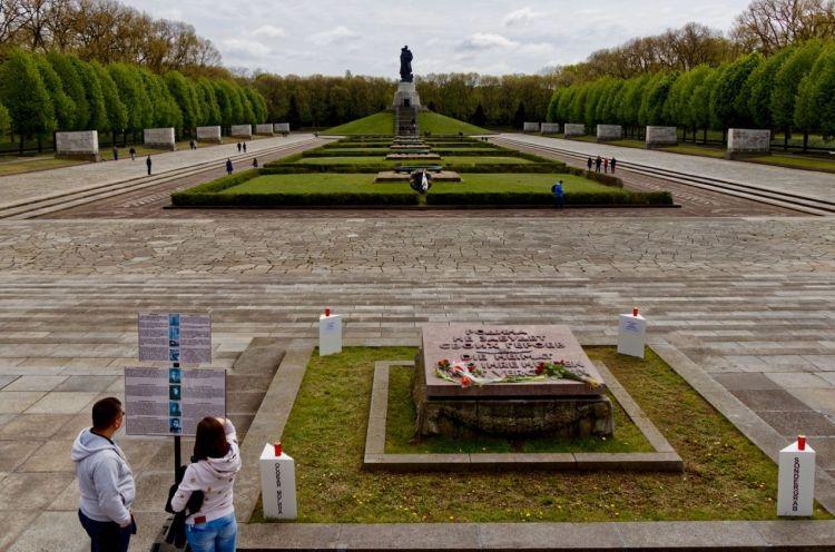 Het Sovjetmonument in Treptow (Berlijn)