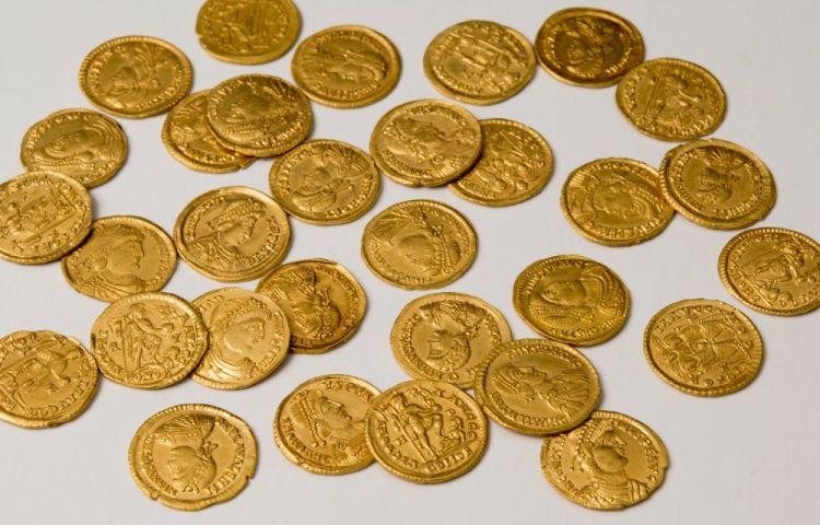 Overzichtsfoto van de goudschat van Lienden. Foto Museum Het Valkhof.