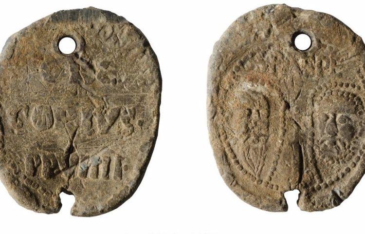 Pauselijk zegel uit 13e eeuw gevonden in Haren (Groninger Landschap)