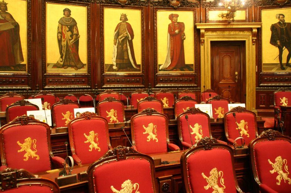 Zetels van de senatoren in het Paleis der Natie - cc