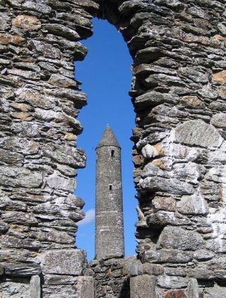 Glendalough (cc - Pixabay - Erastus)