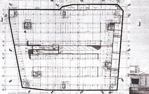 De parkeergarage onder het Plein werd ontworpen als schuilkelder voor 20.000 mensen in het geval van een atoomaanval.