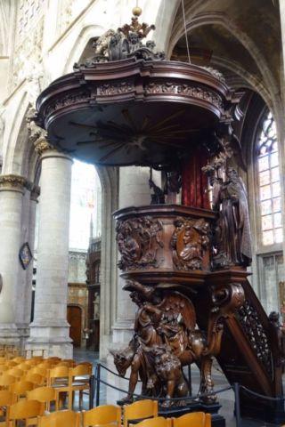 Preekstoel in de Brusselse Zavelkerk