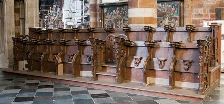 Overzichtsfoto van het koorgestoelte (1515) in de Onze-Lieve-Vrouwekerk te Aarschot gemaakt door Jan Borchman uit Eindhoven. (RU)