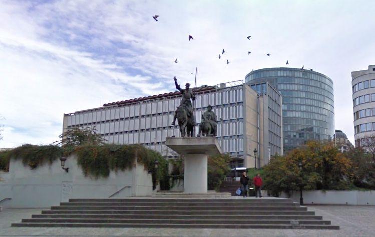 Beeld van Don Quichote op het Spanjeplein in Brussel (Google Street View)