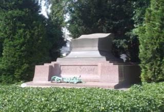Graf van Solvay op de begraafplaats van Elsene. (cc - Olnnu)