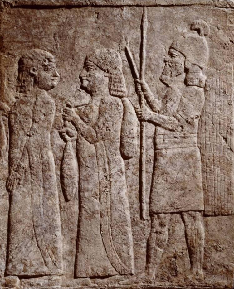 Reliëf uit Assyrisch paleis (Collectie en foto: Rijksmuseum van Oudheden)
