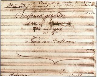 Titelblad van Beethoven's Eroïca met de doorgekraste naam van Napleon