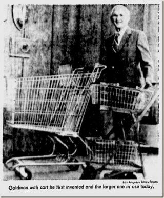 Goldman met zijn oorspronkelijke winkelwagen en een moderner exemplaar - Los Angeles Times