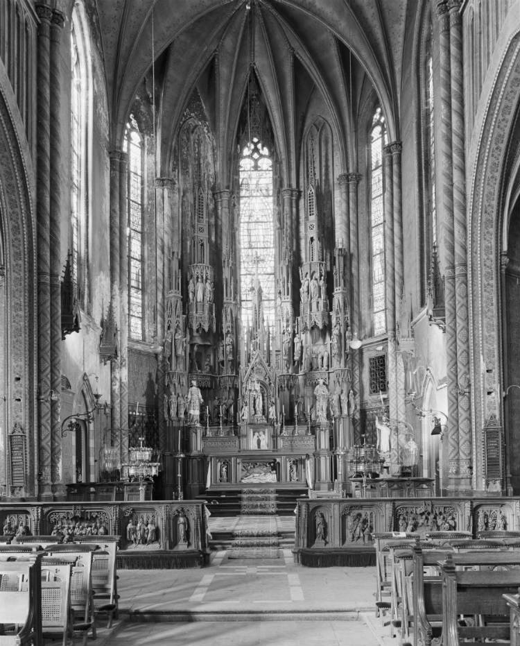 De in 1964 afgebroken Mariakerk van Prinsenbeek, het meesterwerk van P. Soffers, had een rijk interieur. Het hoogaltaar uit 1864 is herplaatst in Voorschoten (Rijksdienst voor het Cultureel Erfgoed)