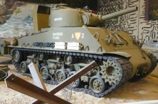 Sherman M4A3 met 105mm-houwitser (cc - Zandcee - wiki)