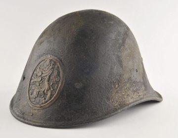 Nederlandse helm uit de Tweede Wereldoorlog (CC BY-SA 4.0 - wiki)