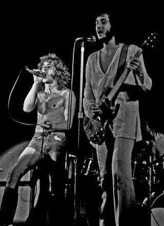 Roger Daltrey (l) en Pete Townshend in 1971 in Hamburg, drie jaar na het optreden in Amsterdam (CC BY-SA 2.0 - Heinrich Klaffs - wiki)