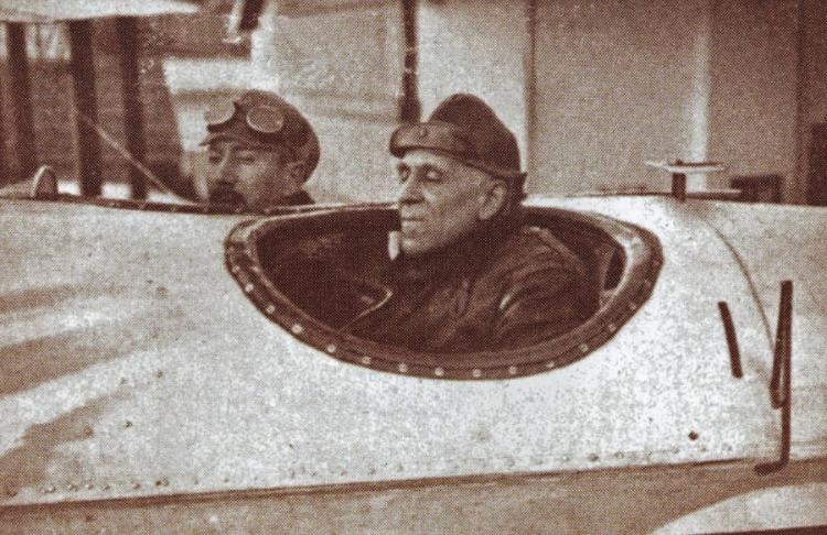 Eerste overtocht van de zuidelijke Atlantische Oceaan met een watervliegtuig (1922)