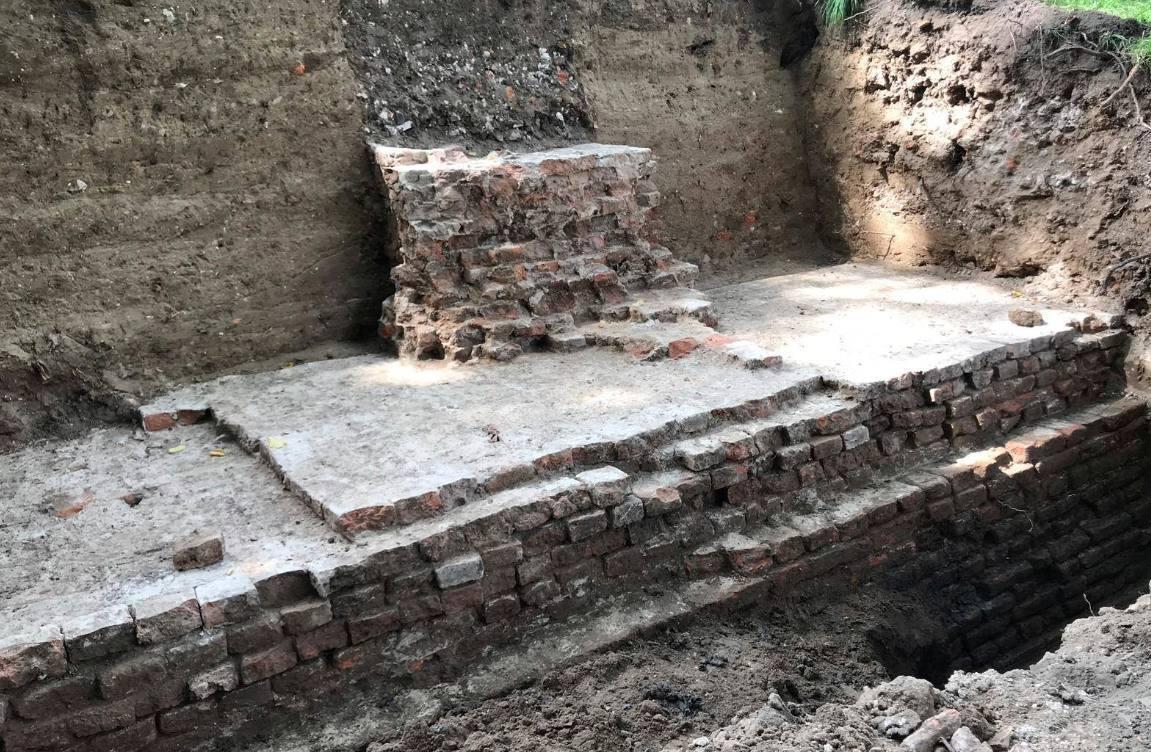 Resten eerste stadsmuur van Utrecht gevonden