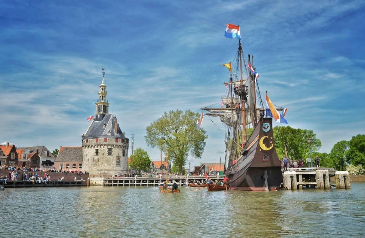 VOC-museumschip de Halve Maen verhuist naar Rotterdam