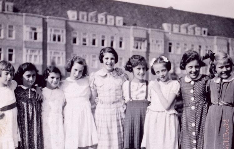 Anne Frank en het Merwedeplein