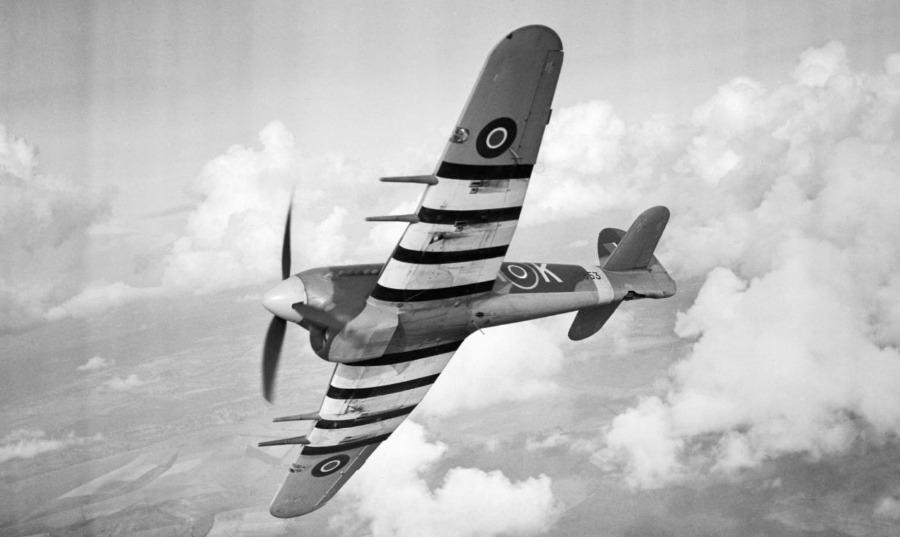 Stoffelijke resten gevonden bij neergestort WOII-vliegtuig