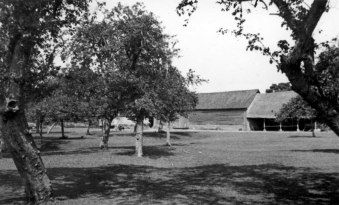The Orchard Rectory Farm, now Orchard Close [Sheila Terry]
