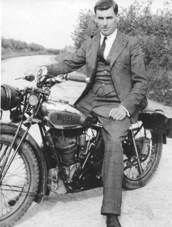 Home on leave, Vic Hodgkins on Roy's motorbike 1942/3