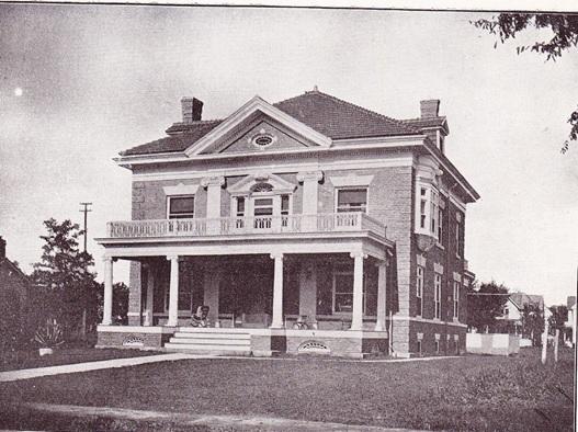 Main St., N, 1008 - 1902