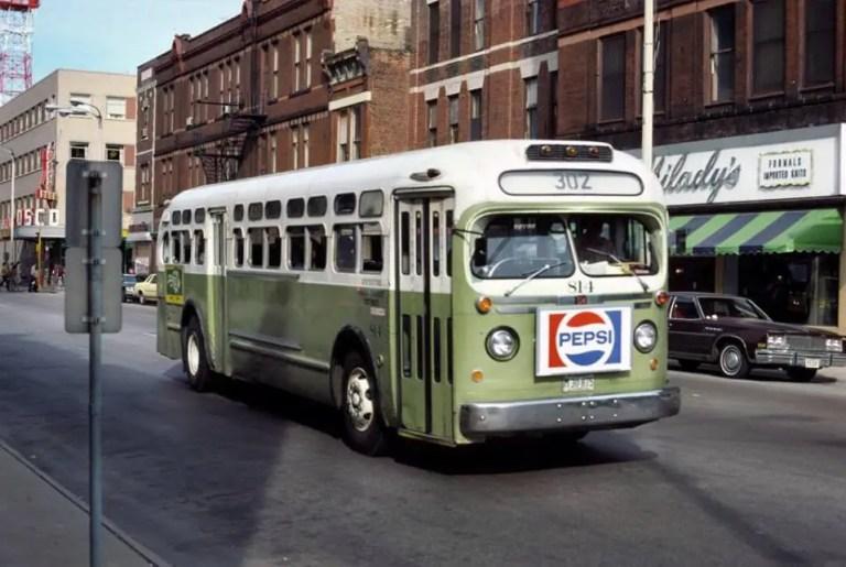 Bus - 2   1978