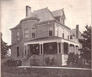 1536 Harlem Boulevard in 1904