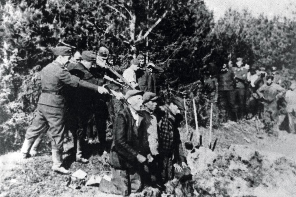 SS soldiers executing Soviet Partisans in Belarus, November, 1942
