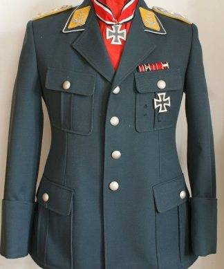WW2 Luftwaffe tunics and uniforms