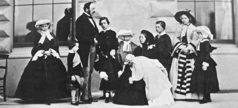 Queen Victoria and Prince Albert with all 9 of their children