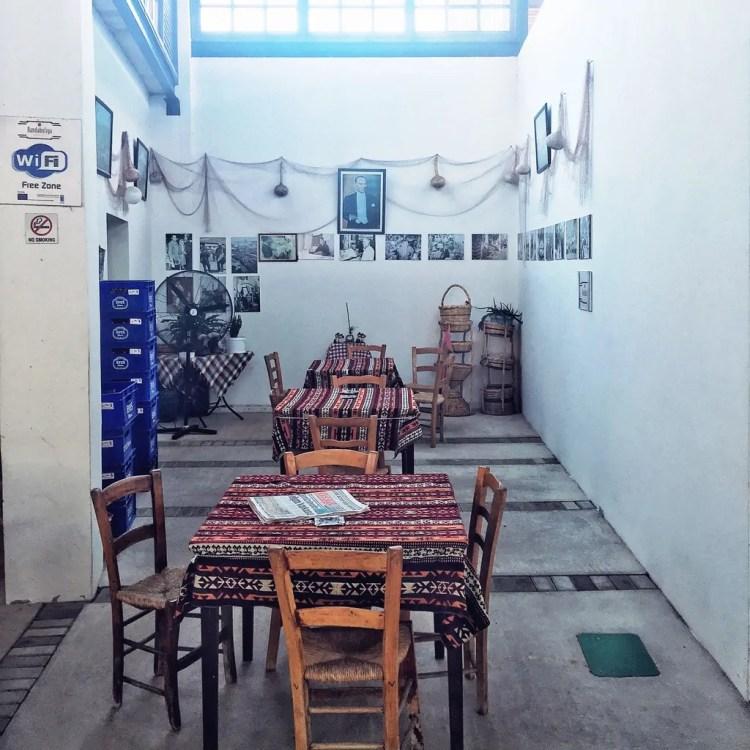 A cafe in the Belediye Pazari