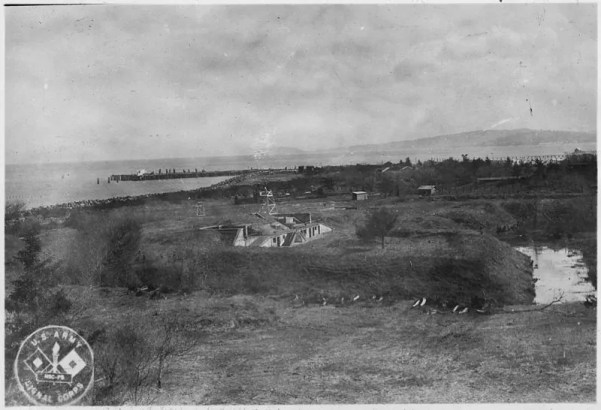"The original earthen ramparts of Fort Stevens as built in Civil War By Unknown or not provided (U.S. National Archives and Records Administration) [Public domain], <a href=""https://commons.wikimedia.org/wiki/File%3AThe_original_earthen_ramparts_of_Fort_Stevens_as_built_in_Civil_War_days._-_NARA_-_299670.jpg"">via Wikimedia Commons</a>"