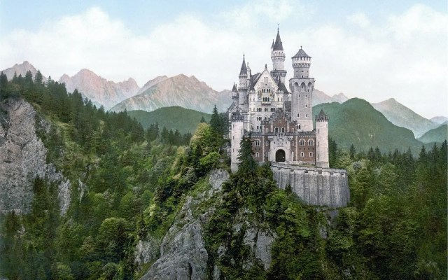 The 50 Most Beautiful Castles in the World and the Pictures to Prove It