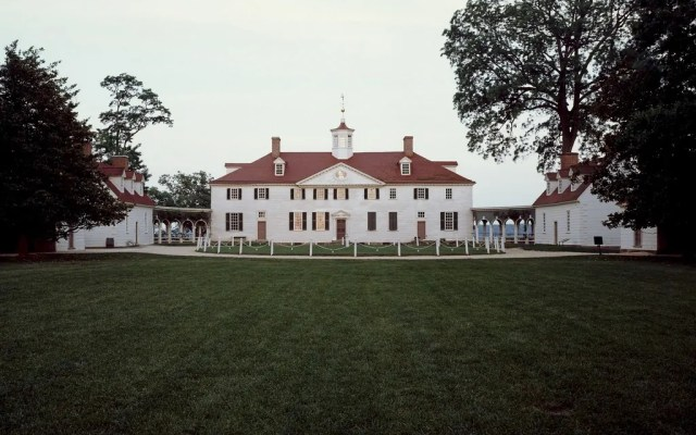 10 Best Living History Museums in America & Tips for Visiting