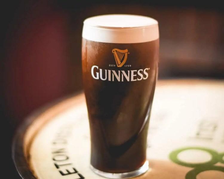 Ireland - Dingle - Dick Mack's Pub