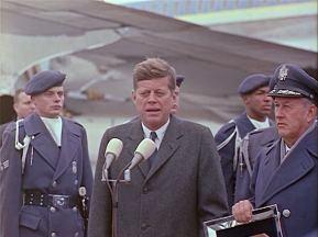 342-USAF-34662 - PRESIDENT KENNEDY VISITS SAC HEADQUARTERS, 12-07-1962-360.000