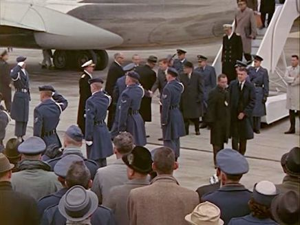 342-USAF-34662 - PRESIDENT KENNEDY VISITS SAC HEADQUARTERS, 12-07-1962-150.000