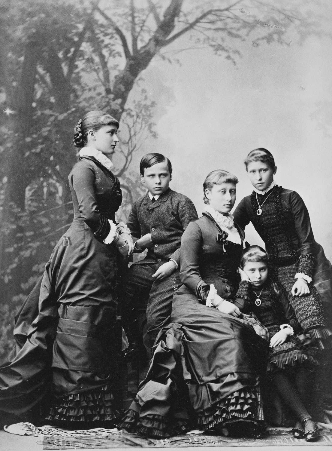 This is What Louis IV and Grand Duchess Alice Looked Like  in 1880
