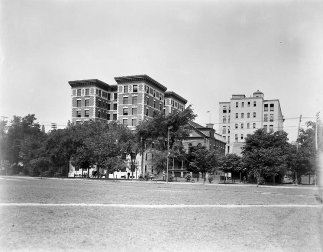 The Roxborough once stood proud at Laurier and Elgin. Source: Department of Mines and Technical Surveys, Library and Archives Canada, PA-023247