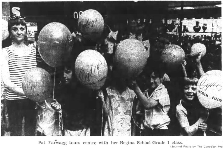 An event for everyone. Lincoln Fields held its grant opening on May 24, 1972. These lucky first grade students from the nearby Regina School attended the opening. Source: Ottawa Journal, May 25, 1972, Page 18.