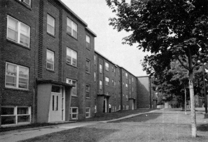 Strathcona Heights in 1984, before the 1989 restoration project. Source: Ottawa. City of Ottawa. City Living Developments. Ottawa: City Living Ottawa, 1984, p. 15.