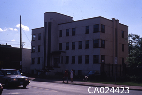 Beechwood House or St. Michael's Nursing Home, 37 Beechwood, in 1991. Image: City of Ottawa Archives CA024423.